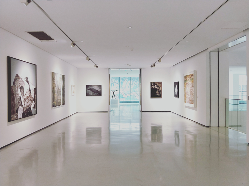 Image of a gallery.