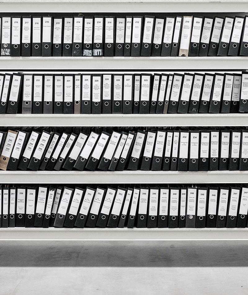 Libreria carica di documenti